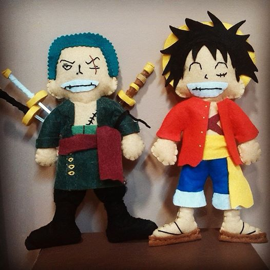 Zoro & Luffy dolls made with felt and they are completely handmade (Even the katanas are handmade by Sonia Galindo